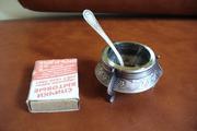 продам антикварную мельхиоровую солонку с ложечкой